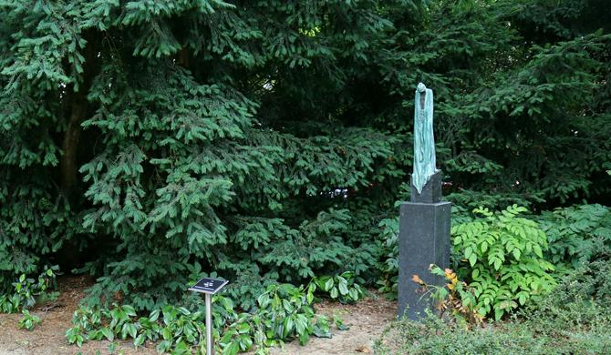 Kieta Nuij, beelden in brons op beeldenroute Zeist