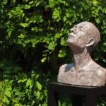 'Aangeraakt', Kieta Nuij bronzen beelden